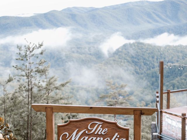 Tyler and Jane's Wedding in Pigeon Forge, Tennessee 7