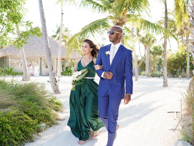 Rafael and Cindy's Wedding in Islamorada, Florida 10