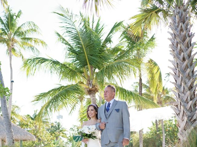 Rafael and Cindy's Wedding in Islamorada, Florida 11