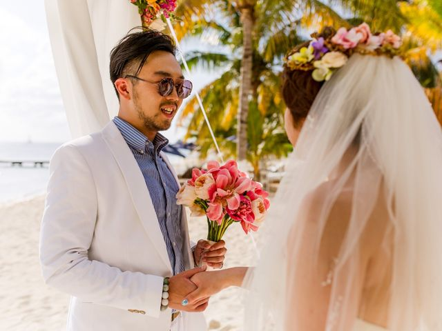 Jess and Pay's Wedding in Isla Mujeres, Mexico 15