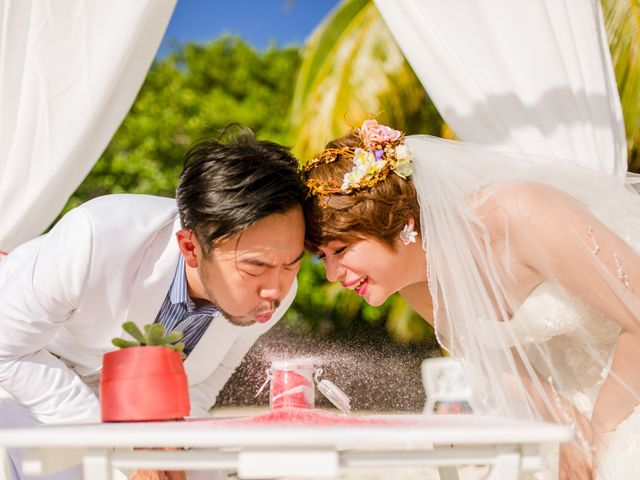 Jess and Pay's Wedding in Isla Mujeres, Mexico 26