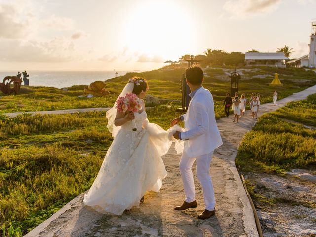 Jess and Pay's Wedding in Isla Mujeres, Mexico 32