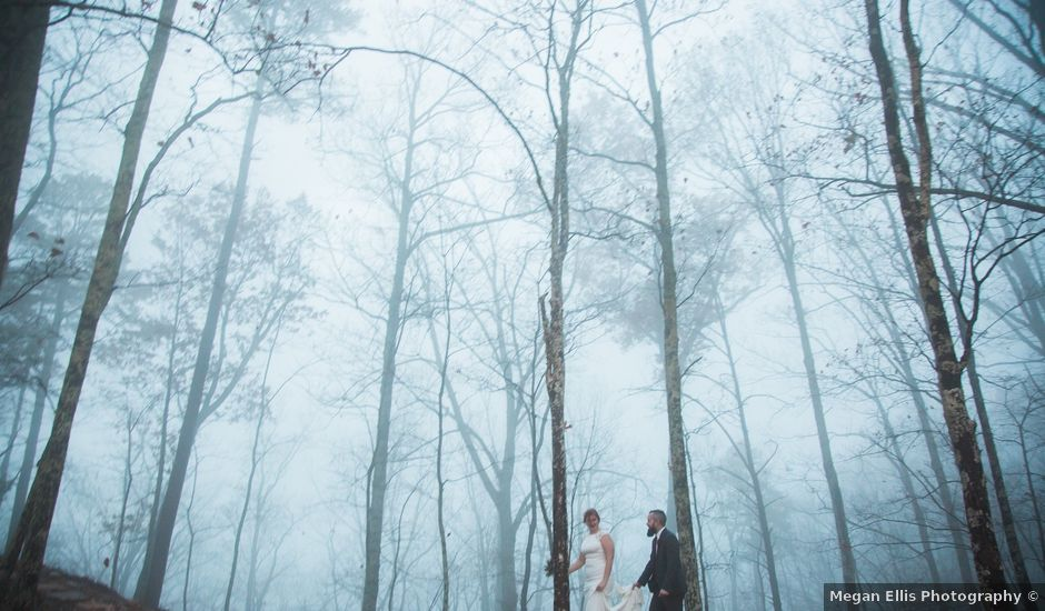 Shawn and Brittany's Wedding in Pigeon Forge, Tennessee