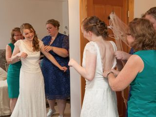 The wedding of Kelly and Taylor 3