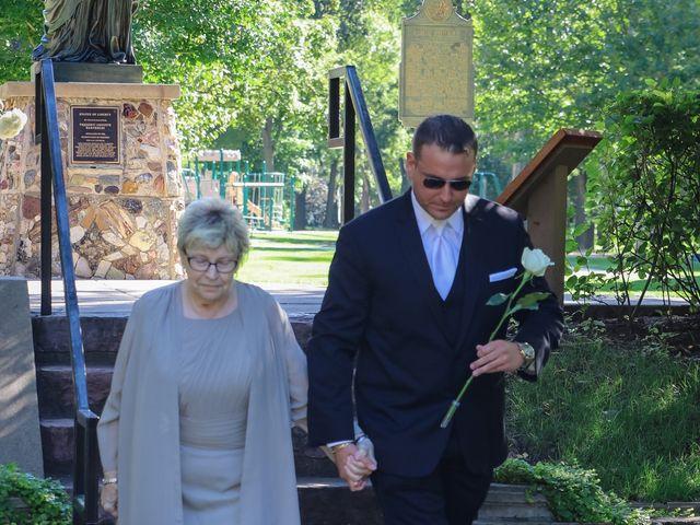 Frank and Amanda's Wedding in Sioux Falls, South Dakota 11