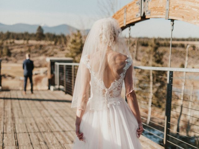 Megan and Ricky's Wedding in Bend, Oregon 9