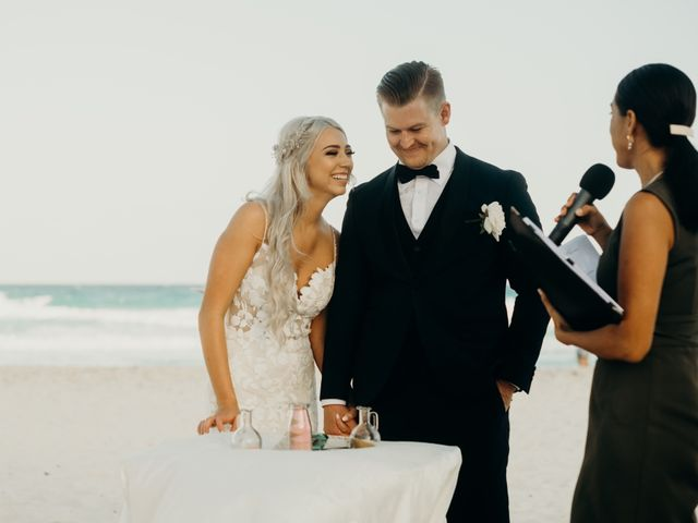 Cierra and Cash's Wedding in Cancun, Mexico 8