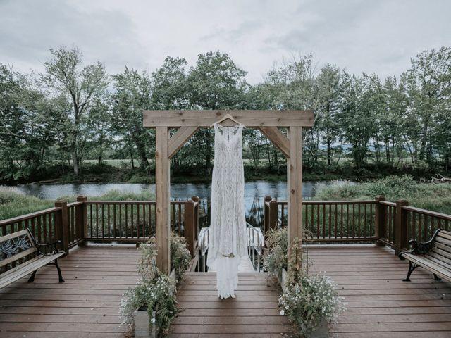 Jon and Hannah's Wedding in Fryeburg, Maine 3