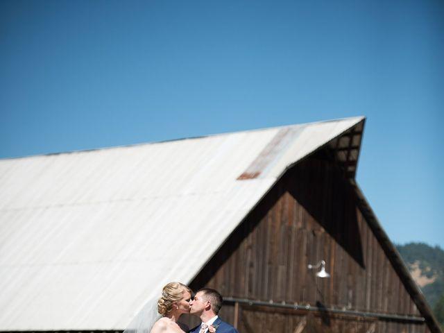 Kevin and Jessalin's Wedding in White Salmon, Washington 15