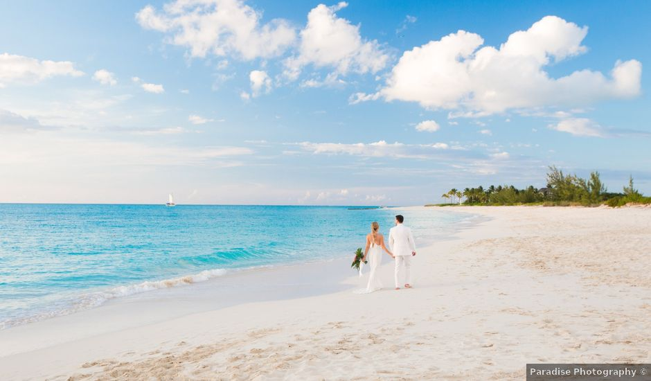 Chris Briggs-Lawrance and Lauren Petroff's Wedding in Providenciales, Turks and Caicos