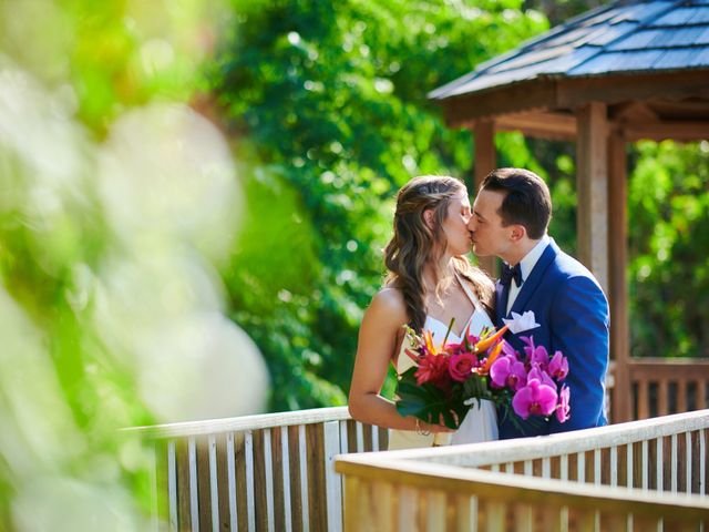 Chris and Diana's Wedding in Hamilton, Bermuda 13