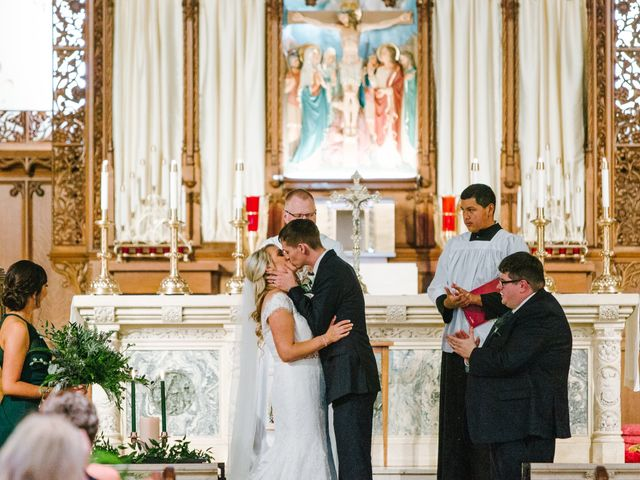 Clint and Ellen's Wedding in Des Moines, Iowa 40