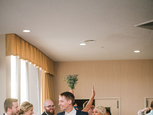 Clint and Ellen's Wedding in Des Moines, Iowa 9