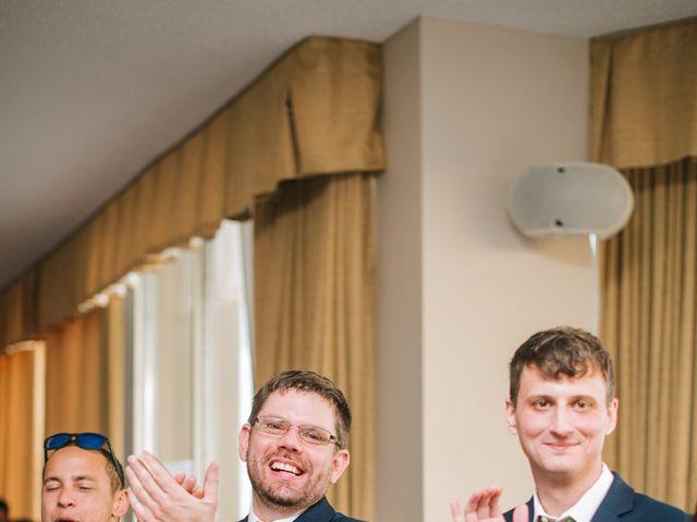 Clint and Ellen's Wedding in Des Moines, Iowa 10