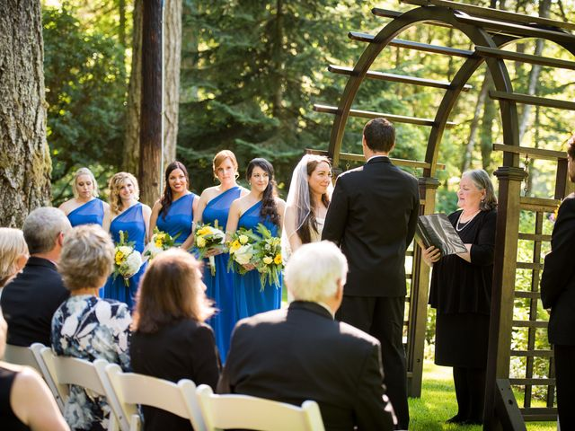 Melissa and Sam's Wedding in Bridal Veil, Oregon 15