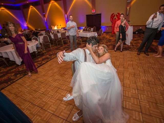 Billy and Lindsey's Wedding in Wisconsin Dells, Wisconsin 14