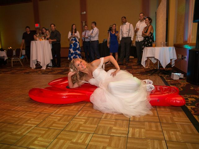 Billy and Lindsey's Wedding in Wisconsin Dells, Wisconsin 16