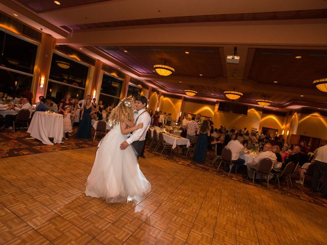 Billy and Lindsey's Wedding in Wisconsin Dells, Wisconsin 23