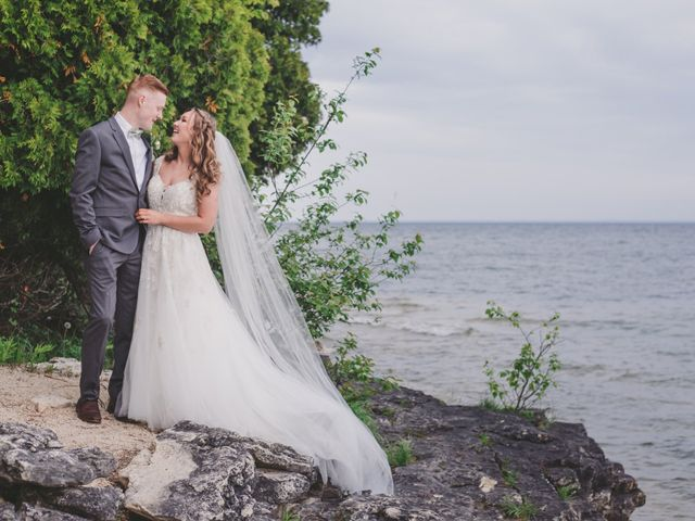 The wedding of Hannah and Adam