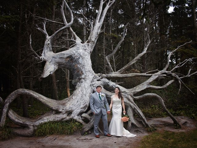 Jaqueline and Mark's Wedding in Coos Bay, Oregon 1