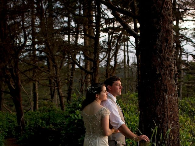 Jaqueline and Mark's Wedding in Coos Bay, Oregon 2