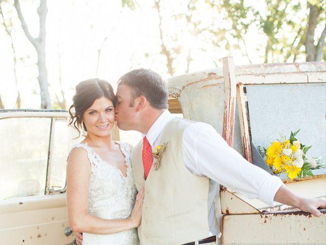 Elizabeth and Taylor's Wedding in Boerne, Texas 9