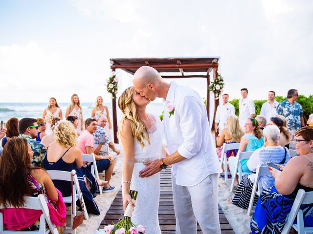 Danielle and Weston's wedding in Mexico 16