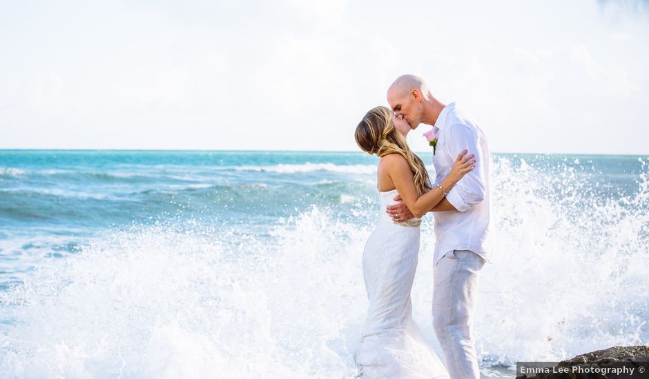 Danielle and Weston's wedding in Mexico