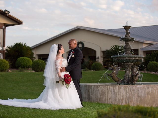 Lester  and Yvonne 's Wedding in San Antonio, Texas 6