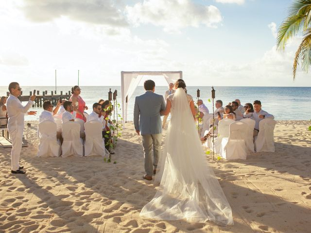 Martijn and Helena's Wedding in San Miguel de Cozumel, Mexico 12