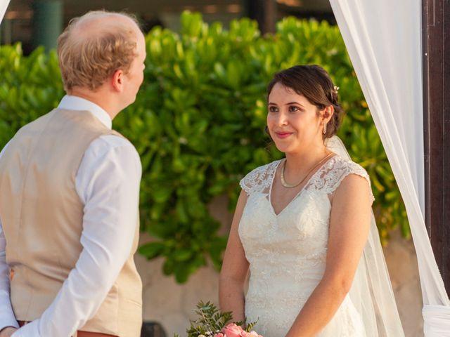 Martijn and Helena's Wedding in San Miguel de Cozumel, Mexico 15