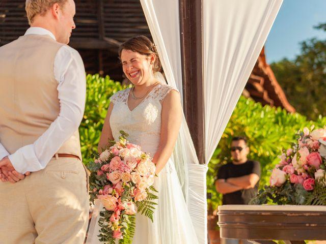 Martijn and Helena's Wedding in San Miguel de Cozumel, Mexico 17