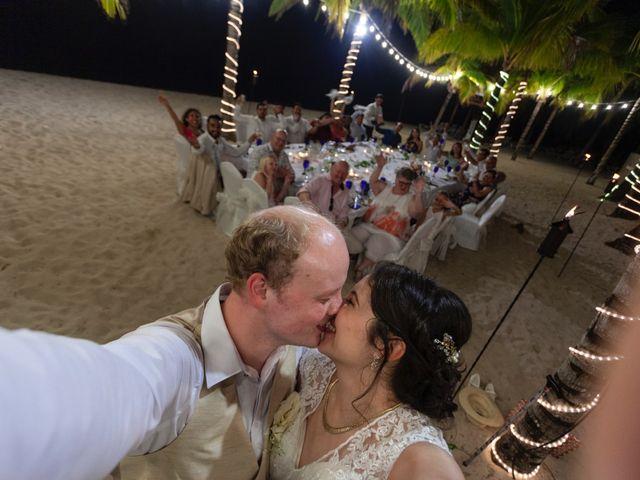 Martijn and Helena's Wedding in San Miguel de Cozumel, Mexico 36