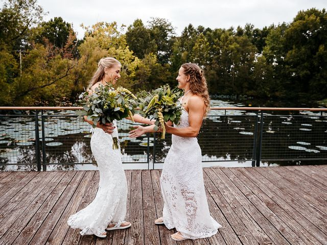 Michelle and Lauren's Wedding in Memphis, Tennessee 27