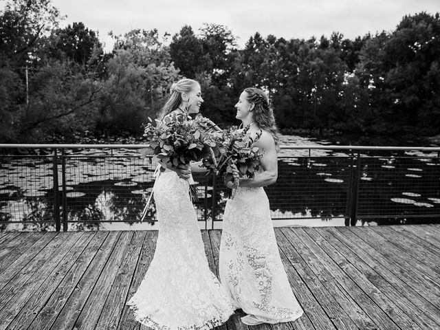 Michelle and Lauren's Wedding in Memphis, Tennessee 28