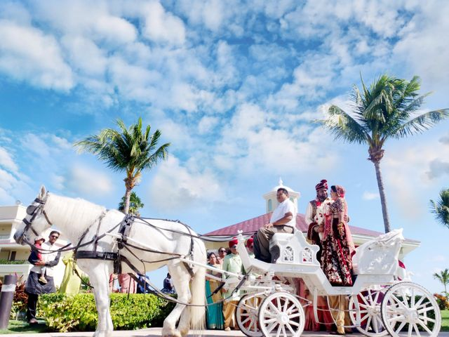 Mrugesh and Saachi's Wedding in Cancun, Mexico 3