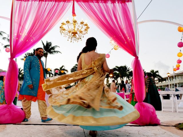 Mrugesh and Saachi's Wedding in Cancun, Mexico 7