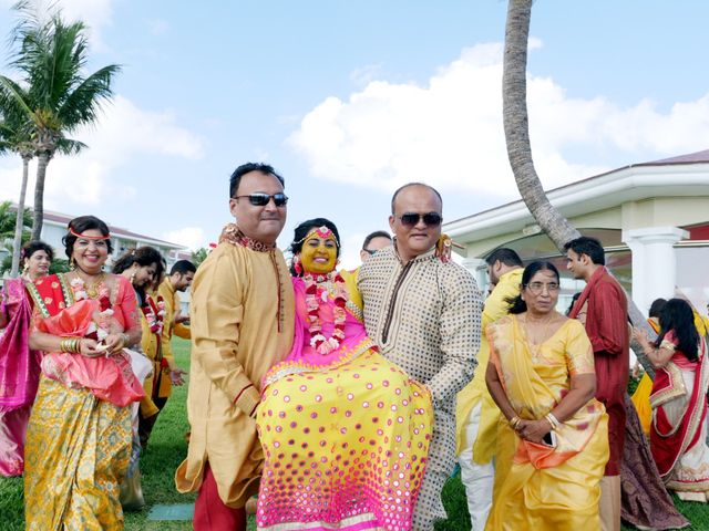 Mrugesh and Saachi's Wedding in Cancun, Mexico 28