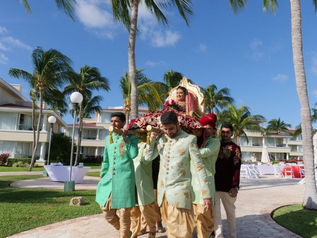 Mrugesh and Saachi's Wedding in Cancun, Mexico 37