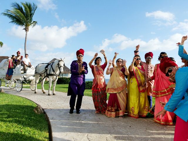 Mrugesh and Saachi's Wedding in Cancun, Mexico 41
