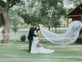 The wedding of Cristina Olvera and Oscar Deleija