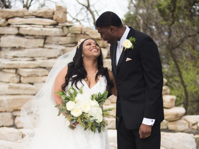 Quinecy and Whitney's Wedding in Austin, Texas 16