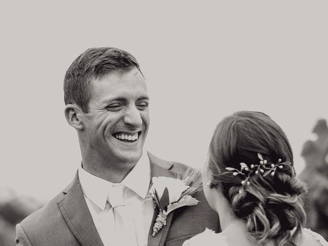 Todd and Julie's Wedding in Grand Island, Nebraska 9