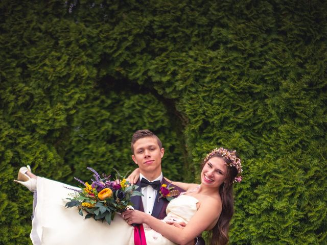 John and Melanie's Wedding in Charlevoix, Michigan 8