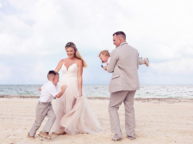 Cory and Meghan's Wedding in Cancun, Mexico 38