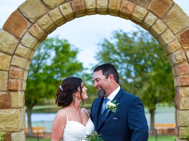 Trevor and Julie's Wedding in Temple, Texas 10