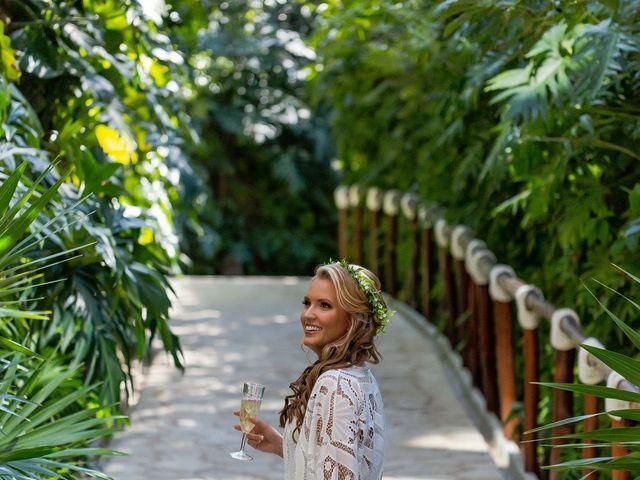 Kyle and Crystal's Wedding in Playa del Carmen, Mexico 8