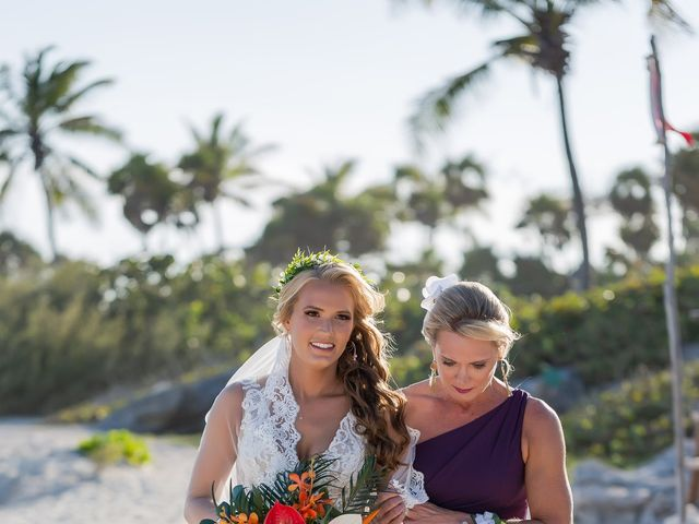 Kyle and Crystal's Wedding in Playa del Carmen, Mexico 31