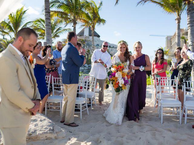 Kyle and Crystal's Wedding in Playa del Carmen, Mexico 33