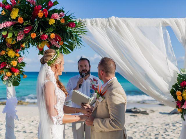 Kyle and Crystal's Wedding in Playa del Carmen, Mexico 41
